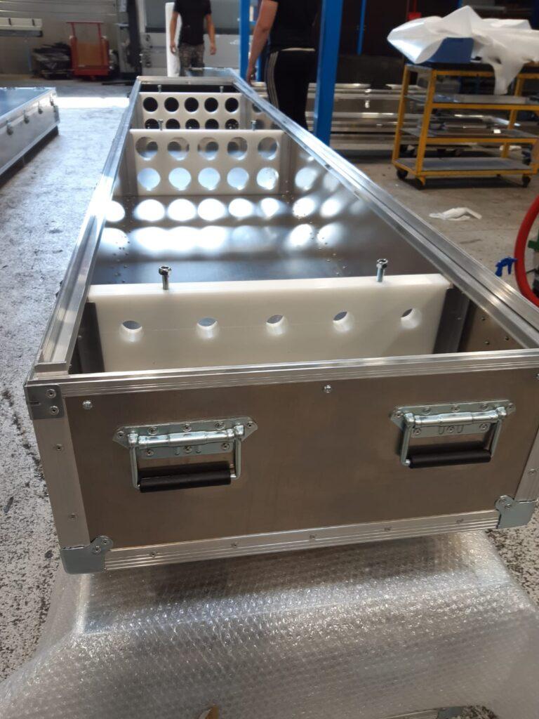 Caisse aluminium avec aménagement intérieur sur-mesure